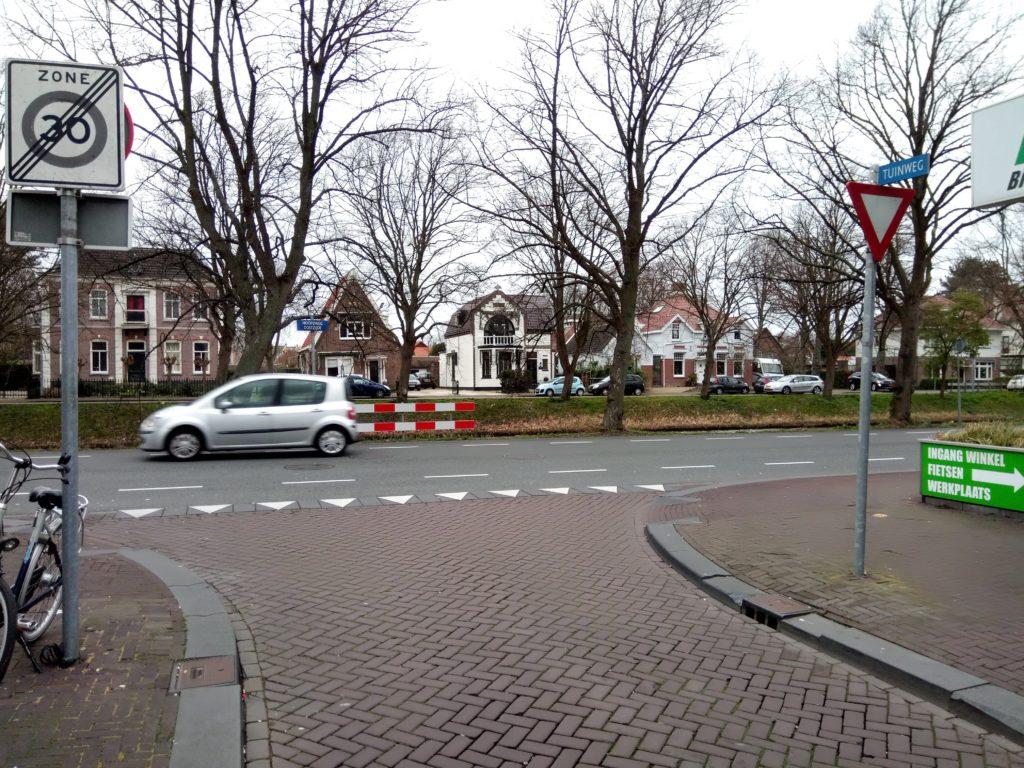 Kruispunt Tuinweg/Hoofdweg-Oostzijde in Hoofddorp